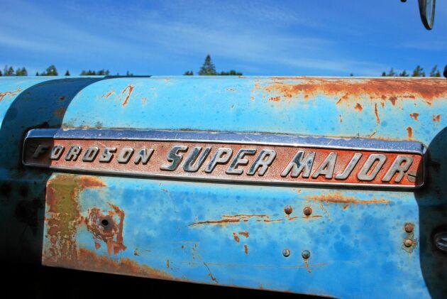 Magnus Major har en industrimotor från Ford och därför är den omskyltad till Super Major. En Super Major hade i original en effekt på 54 hästkrafter.