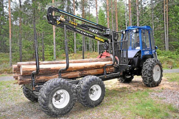 Efter att ha varit missnöjd med skogsentreprenörers körskador köpte Rolf Olsson en Vimek 606 TT.