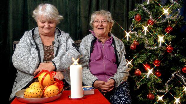 I Ullared - julen är här med bland andra stamkunderna systrarna Gunnel och Maritta.