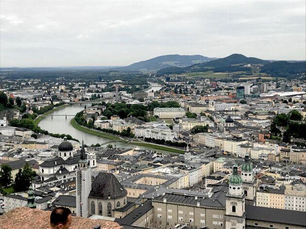 Vy över Salzburg från borgen Hohensalzburg.