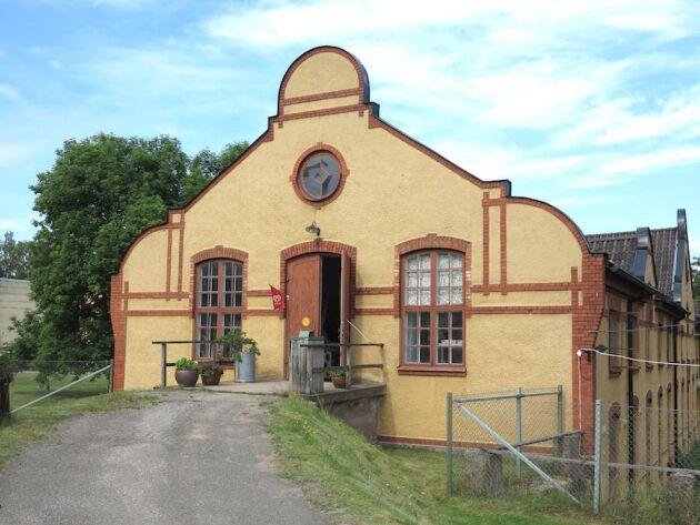 Lessebo Handpappersbruk är ett av få i Europa som ännu är i kommersiell drift.