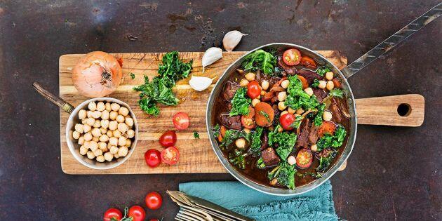 Vildsvinsgryta med kikärtor och grönkål – vilda, värmande smaker!