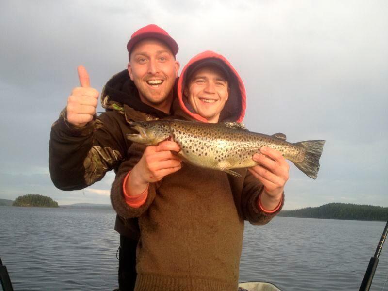 Fiskeupplevelse är en av sakerna man kan hyr av en lokalbo hos Swedish Countryside.