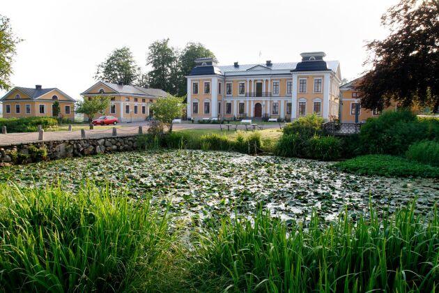 Som alla slott med aktning har Skottorps slott en vallgrav.