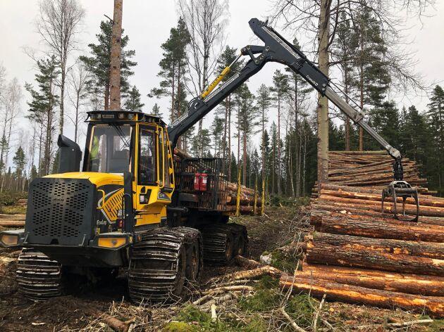 Skotaren Eco Log 574 har tagit över efter Logset 5F som kom upp till 20000 timmar innan efterträdaren hade hunnit anlända.