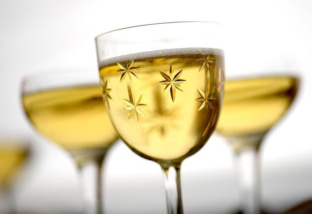 Champagne är ett måste för livets lyx, anser britterna. Alltså korkar man upp hos de franska fabrikanterna för att handelsavtalet vid brexit låter exporten fortgå ganska smärtfritt.