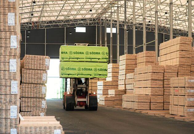 Södra förlänger juluppehållet i sågverken vilket minskar produktionen med 30 000 kubikmeter.