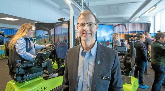 Säkerhet och miljö är de två främsta argumenten för att satsa på simulatorer i maskinundervisningen på naturbruksgymnasierna, menar lektor Jörgen Holmén som har varit projektledare.