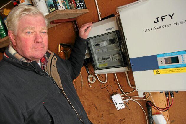 Åke Eiborn planerar att installera larm på sin nästa solcellsanläggning.