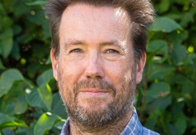 Marcus Willert, växtodlingsrådgivare på HIR Skåne som också sitter på i Kungliga Skogs- och lantbrukskommittén för markkol och klimatnytta. Han tycker att det i grunden är positivt att lantbrukare kan få betalt för kolinlagring men menar samtidigt att det är viktigt att förhålla sig kritisk till nya koncept.