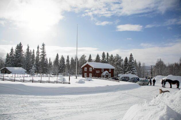 PÅ Nysäterns fjällgård kan besökare och skidåkare vila ut och ta en fika.