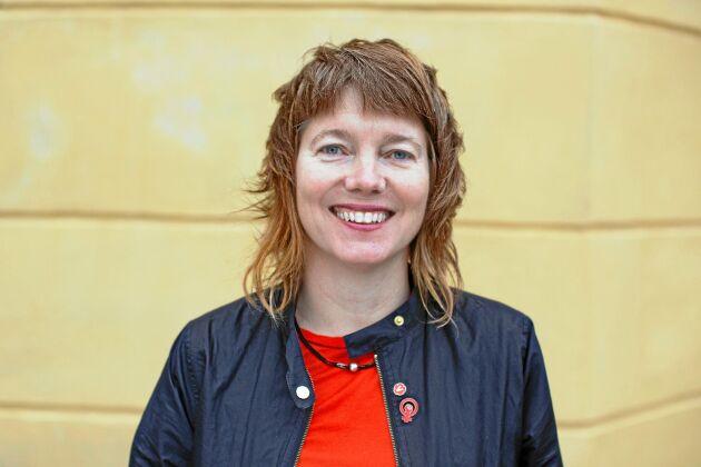 """""""Det viktigaste är ju att det i omröstningar, till syvende og sidst, är jag som är ansvarig för om jag trycker ja eller nej eller avstår"""", Malin Björk (V), kandidat till EU-parlamentet."""