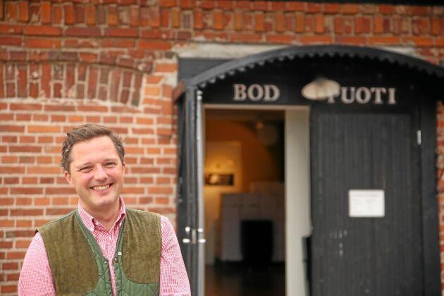 Henric Creutz ser ett växande intresse för gamla spannmål som spelt och emmer. När dessa bryggs till öl på gårdens bryggeri lockas besökarna till butiken.
