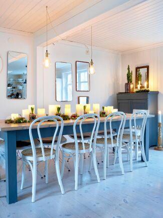 Bordet är dukat med LED-ljus som ger mysfaktor och möjlighet att lämna rummet utan att behöva släcka ljusen.