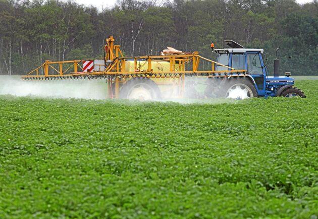Tjuvarna är i första hand ute efter växtskyddsmedel. Förra året uppgick värdet på stölderna hos lantbrukare till 10,7 miljoner kronor.