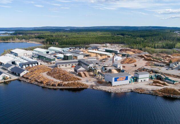 Vid sågverket i Kåge (bilden) ska förädlingen till byggprodukter fördubblas, samtidigt som förädlingen i Sävar avvecklas.