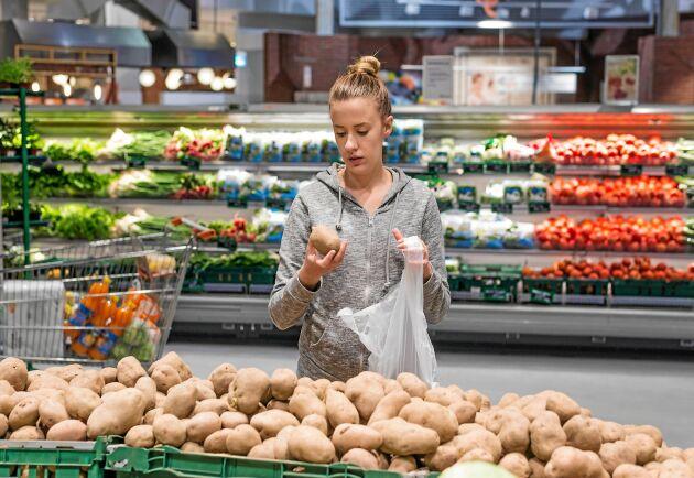 Bra att kolla redan i affären om potatisen är grön.