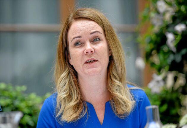 Landsbygdsminister Jennie Nilsson (S) vill att en större andel av budgeten för EU:s jordbrukspolitik ska gå till det hållbara jordbruket.