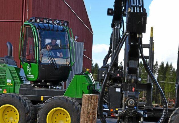 En ny skogsmaskinförarutbildning för vuxna startar på Stora Segerstad naturbrukscentrum efter nyår.