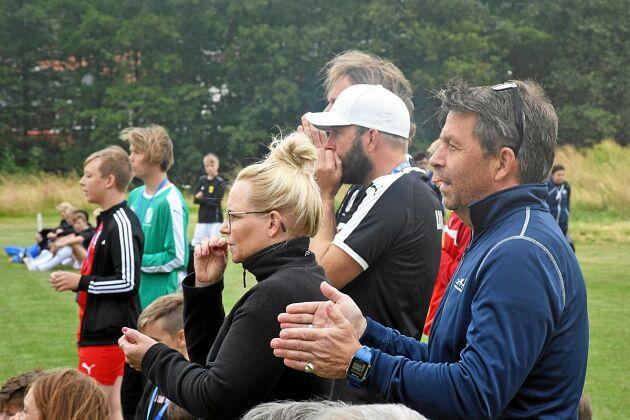 Det var gott om åskådare från Torna Hällestad när deras lokala flicklag spelade sin första match i Gothia Cup under måndagen.