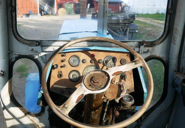 Den 50 år gamla traktorn körde till Sverige för egen maskin –men det tog fyra dygn.