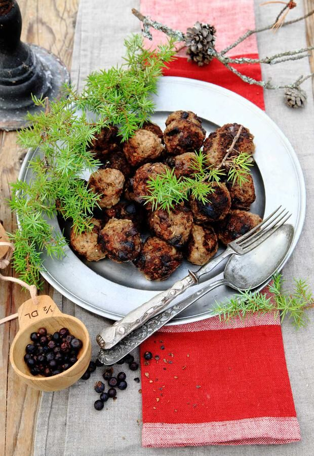 Härliga köttbullar med vild smak. Foto: Ove Lindfors