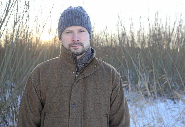 På spaning efter nya intäktskällor. Johan Benzelstierna von Engeström gillar initiativet med klimatkompenserande salix.