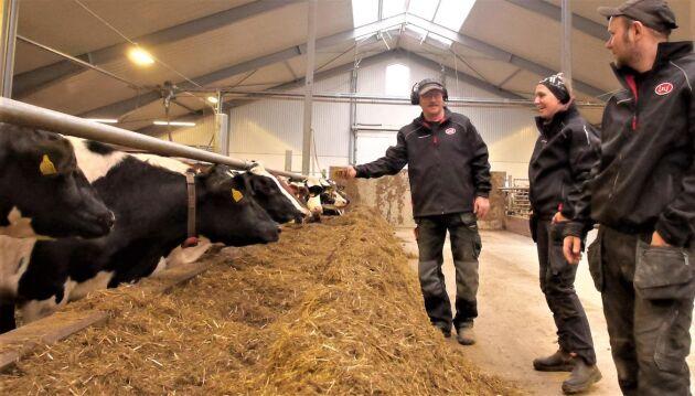Lantbrukaren Conny Josefsson är på väg att lämna över lantbruket i Slitshult till sin dotter och svärson.