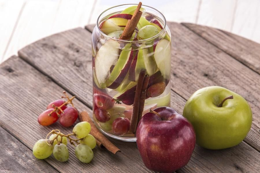 fresh fruit Flavored infused water mix of Apple, grape and cinnamon