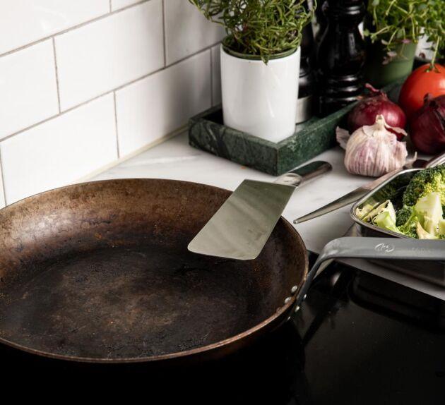 Rätt skött får din panna en rejäl patina som ger de bästa stekegenskaperna.