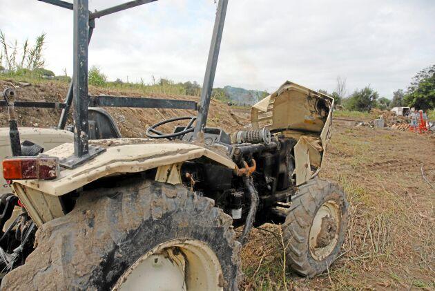 Vattnet har förstört traktorerna.
