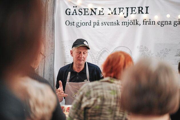Bengt Ottoson från Sveriges minsta mejeri, Gäsene Mejeri. Gäsene är känt för sina magra och mjuka, krämiga ostar. Långlagrade Minimunken är en av favoriterna.