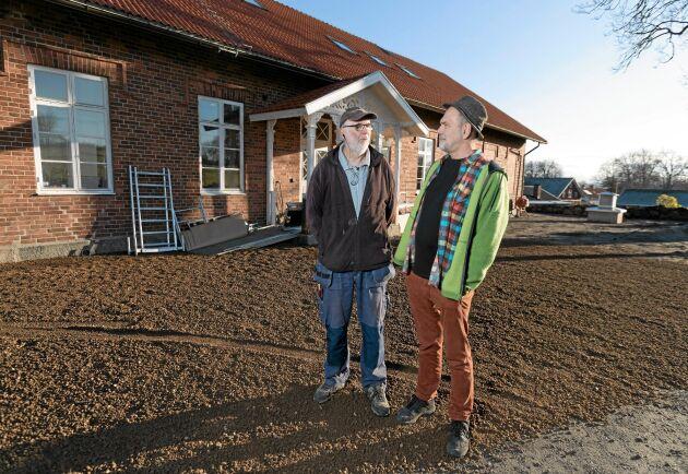 Kjell Larsén, ordförande för Nya bygdegårdsförening och Anders Schönborg, projektledare och byggansvarig, har all anledning att vara nöjda.