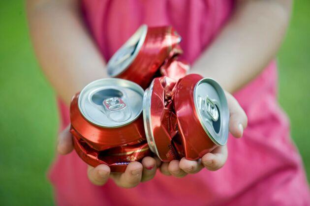 Aluminium kräver enorma mängder energi i tillverkningen. Tänk på att alltid panta burkar och återvinna konservburkar och folie.