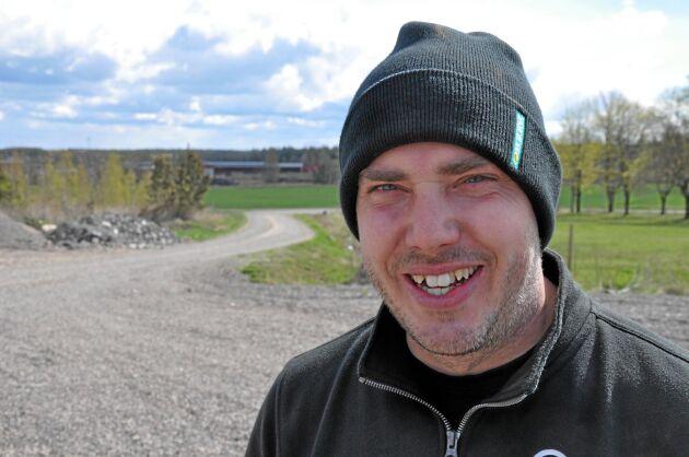 Emil Olsson har stadigt expanderat sin verksamhet inom jord och skog. Nu tillkommer cirka 700 hektar på Börstorp varav drygt 200 hektar lämpar sig för spannmålsodling.