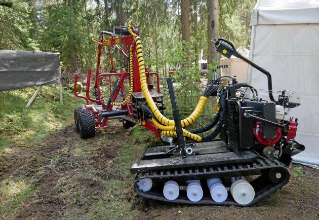 Järnhästen Flex används allt oftare tillsammans med en ATV-vagn med hydraulkran. Nu har Järnhästen fått dragkulan fäst på timmerbanken och tack vare att kulan är vändbar går det att snabbt koppla av vagnen, vända på draget och hämta svårtillgängligt virke.