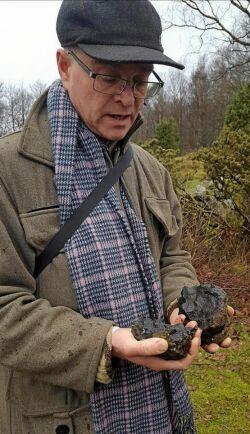 Eric Kjellin leder guidade turer i de vulkantäta områdena.