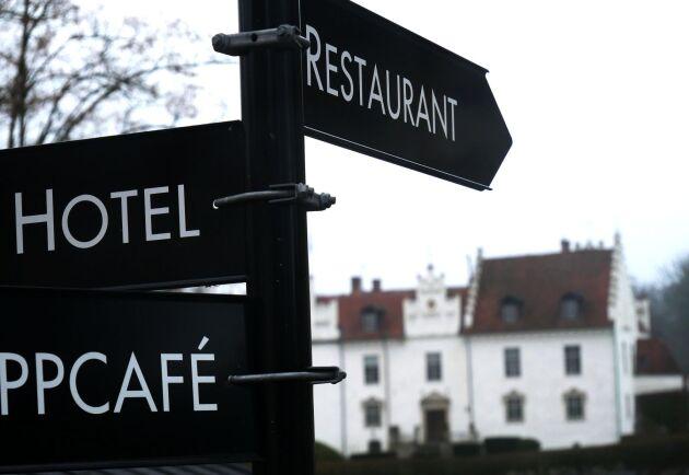 På Wanås finns hotell och restaurangverksamhet som även serverar viltkött från ägorna.