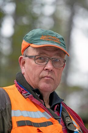 Carl-Henry Lundström driver Lundströms skogstjänst.