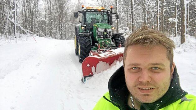 Gustaf Norman är entreprenör och kör för Trafikverket. Han uppskattar att de tar allvarligt på säkerheten och att de vill ha seriösa entreprenörer.