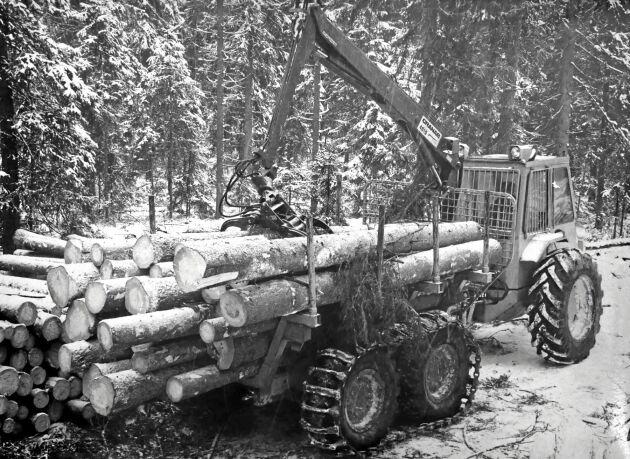 Mini-Lokkeri hade en lastkapacitet på 7 ton och drevs av en Perkinsmotor på 80 hästkrafter.