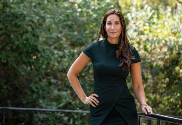 """Natali Engstam Phalén är generalsekreterare på Institutet mot mutor och betonar vikten av transparens vid lägenhetsuthyrning till anställda och/eller medlemmar. """"Skapandet av gräddfiler sticker ofta i ögonen"""", säger hon."""
