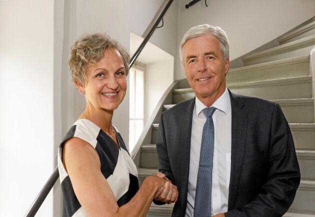 """""""Det är fantastiskt roligt att vi tillsammans kan göra ett viktigt bidrag till den förnybara omställninge""""n, säger Setras VD Hannele Arvonen och Preems VD Petter Holland."""