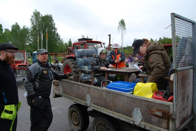 Det gäller att göra det bekvämt för sig på vagnen, turen tog drygt 4 timmar.