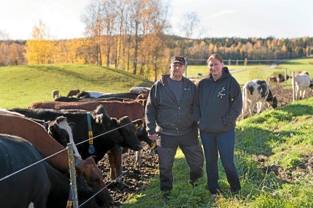 Birgitta och Johan Linderkers driver sitt lantbruk sedan 1989. År 2011 ställde de om till ekoproduktion.