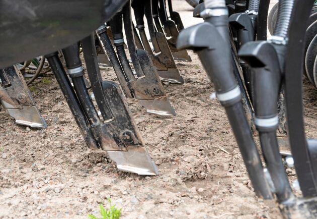 Såbillarna var ursprungligen utvecklade för vallsådd, men fungerar i alla grödor.
