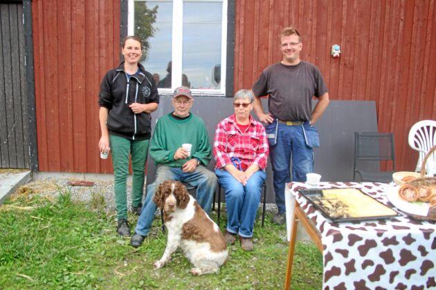 Anders Larsson tog över efter sin pappa i slutet av 70-talet och gick tillsammans med hustrun Inger Larsson över till ekologiskt strax efter sekelskiftet. Susanne Larsson, dotter till Anders och Inger leder nu arbetet på Folsberga med sin man Tore Carlström.