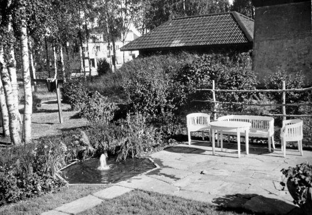 Liten fontän vid Vännäs station 1946.