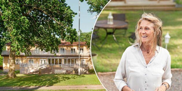 Anita hedrar mormor och väcker liv i öländska byn
