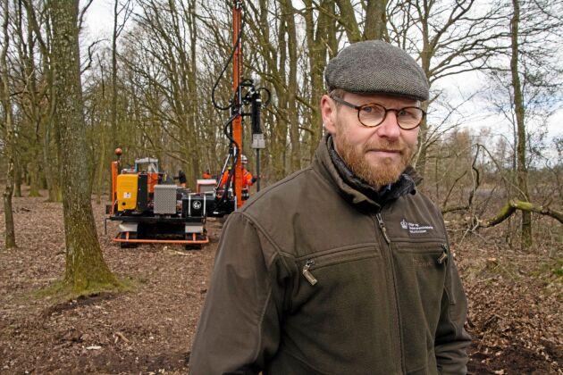 Bent Rasmussen, skogvaktare på Naturstyrelsen, är huvudansvarig för genomförandet.
